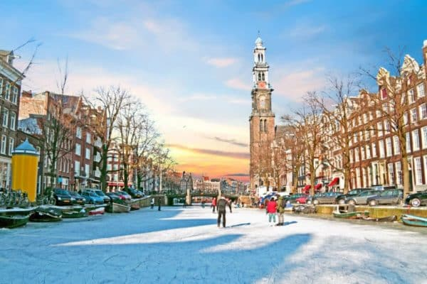 Ice skating rinks in Amsterdam: the most beautiful skating rinks in the Netherlands this winter.